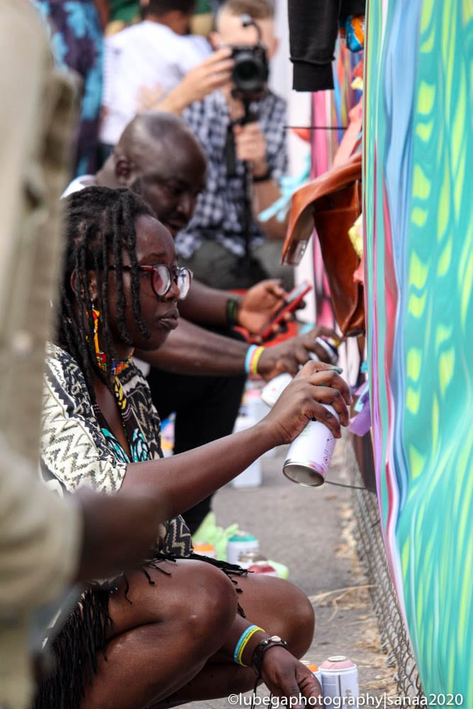 Chela live painting, Sanaa Street Party 2020